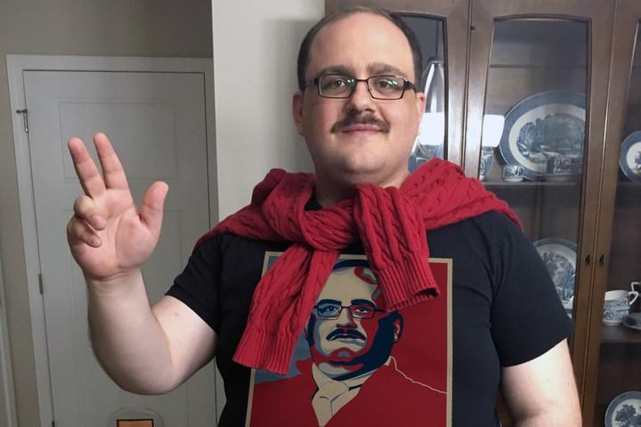 Cashing in on his 15 minutes of fame, Ken Bone decides to go with … UberSelect