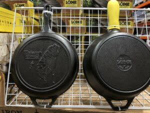 """A social media user recently shared on Twitter that she found """"cast iron pans"""" featuring Taiwan's map for sale at Costco in Taiwan, causing quite a stir among other social media users. (Screenshot from @trickytaipei<br>/Twitter)"""