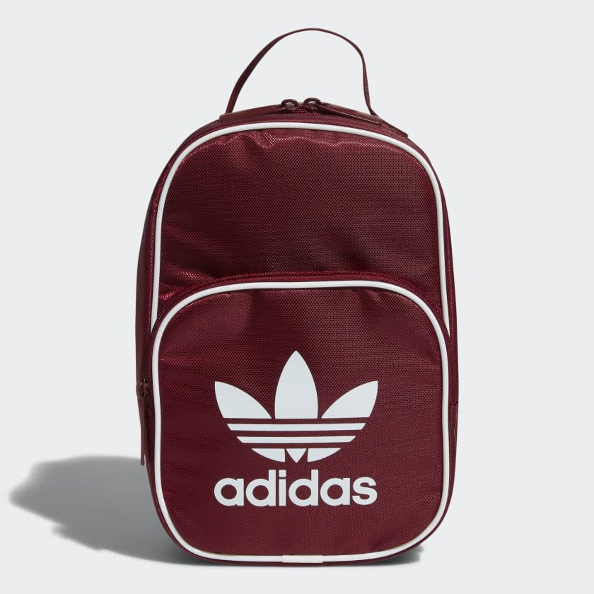 """<p><strong>adidas</strong></p><p>adidas.com</p><p><strong>$25.00</strong></p><p><a href=""""https://go.redirectingat.com?id=74968X1596630&url=https%3A%2F%2Fwww.adidas.com%2Fus%2Foriginals-santiago-lunch-bag%2FCJ9048.html&sref=http%3A%2F%2Fwww.seventeen.com%2Flife%2Ffood-recipes%2Fg28212497%2Fcute-lunch-boxes%2F"""" target=""""_blank"""">Shop Now</a></p><p>Clip a strap onto this sporty insulated bag for major hypebeast vibes. </p>"""