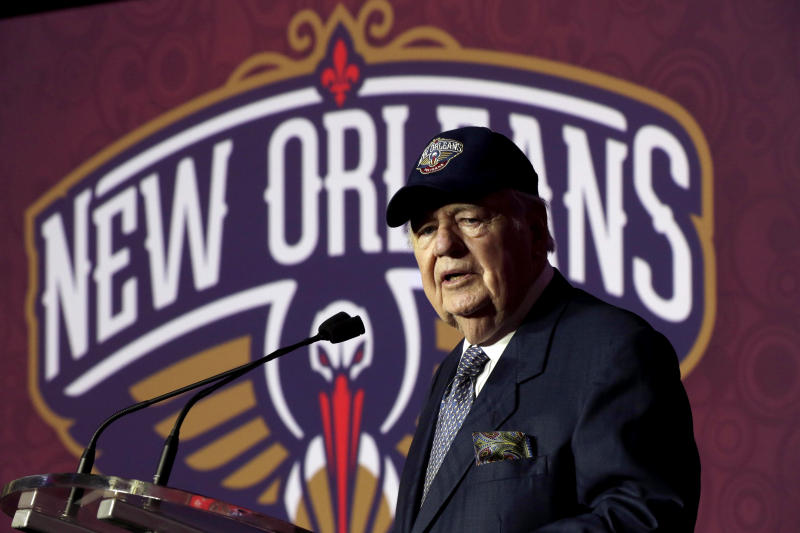 Hornets announce name change to Pelicans