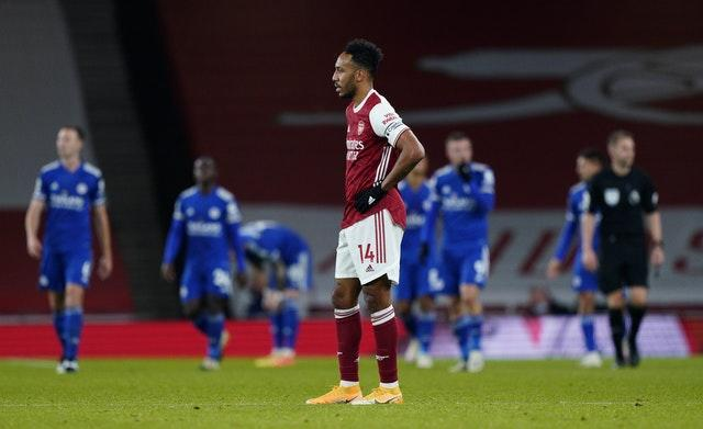 Pierre-Emerick Aubameyang looks dejected against Leicester