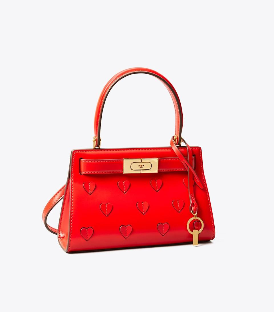 <p>We're in love with this adorable <span>Tory Burch Lee Radziwill Petite Bag</span> ($548).</p>
