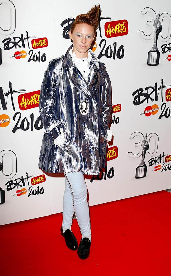 "Is it just us or does La Roux frontwoman Elly Jackson look like the love child of Tilda Swinton and the Tin Man? Mike Marsland/<a href=""http://www.wireimage.com"" target=""new"">WireImage.com</a> - January 18, 2010"