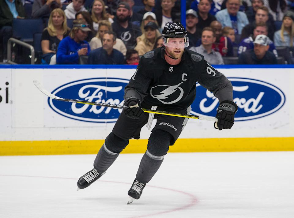 TAMPA, FL - FEBRUARY 15: Steven Stamkos #91 of the Tampa Bay Lightning skates against the Philadelphia Flyers during the second period at Amalie Arena on February 15, 2020 in Tampa, Florida. (Photo by Scott Audette/NHLI via Getty Images)