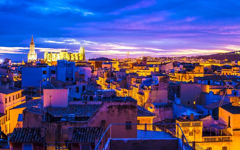 As the day draws to a close, Palma's skyline is even more striking - querbeet