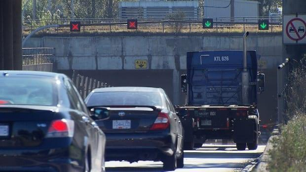 The province's transportation and infrastructure minister announced on Wednesday that a new eight-lane immersed tunnel will replace the aging George Massey Tunnel. (Frederic Gagnon/CBC - image credit)