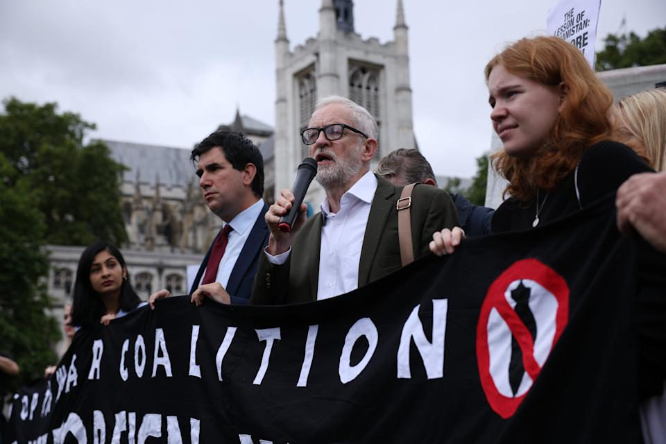 Jeremy Corbyn among protesters at Parliament Square (Getty Images)