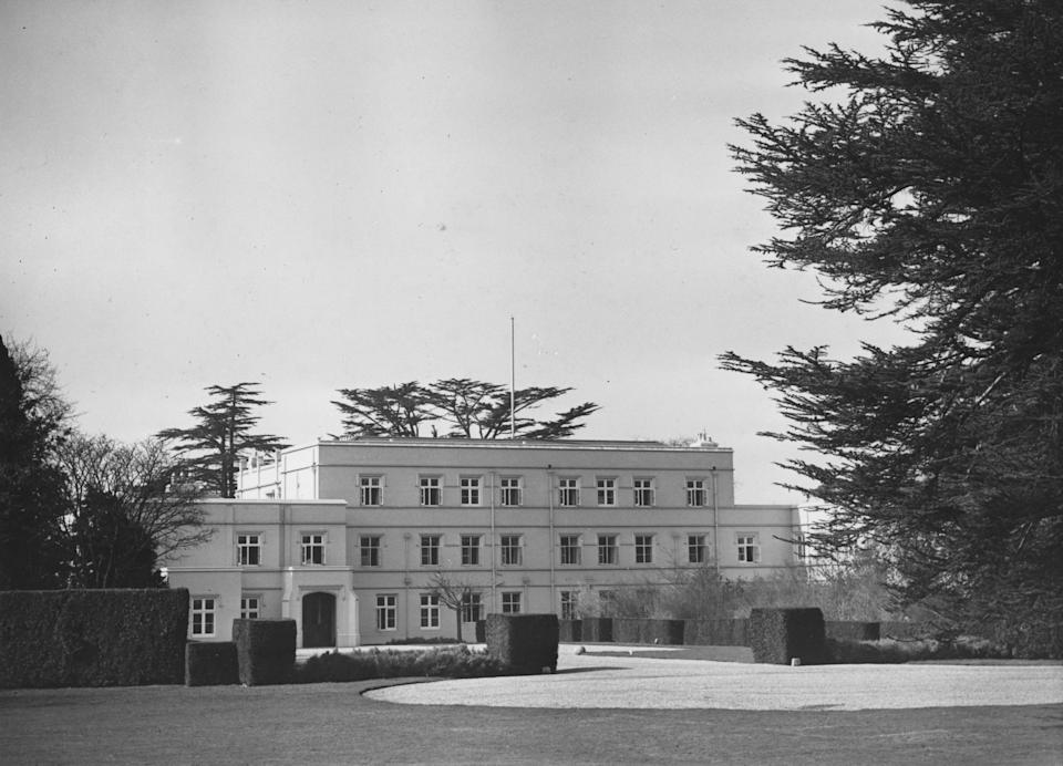 27th March 1948:  The Royal Lodge in the Great Park, at Windsor, Bucks, where King George VI retires to throw off the worries of State and live the life of a country gentleman.  (Photo by Harry Shepherd/Fox Photos/Getty Images)