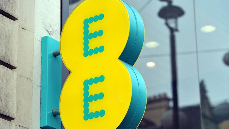 EE network hit by calling issues