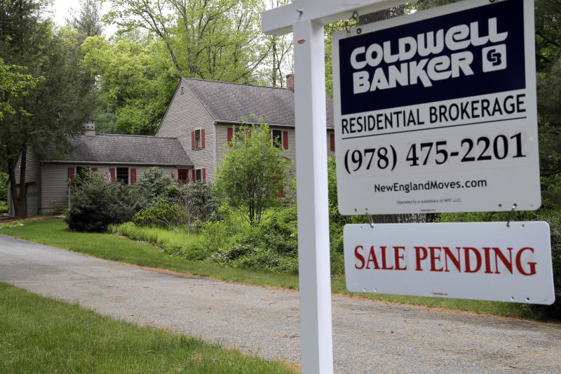 Pending-home sales pop in October, snapping three-month losing streak