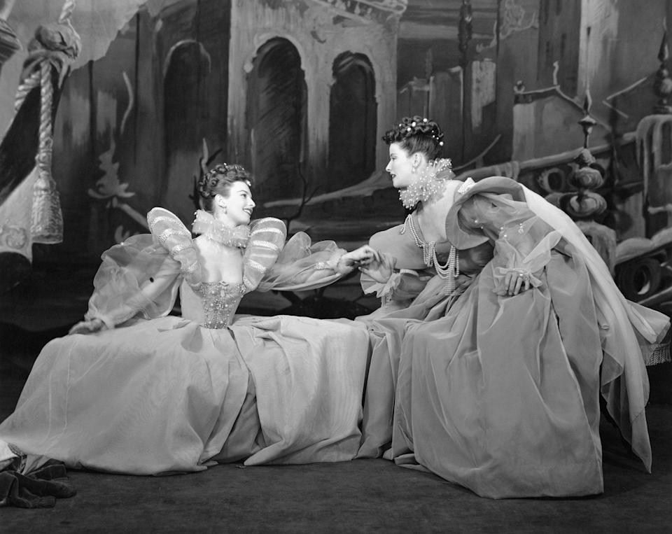 <p>After arriving in New York City, Leachman found early success on Broadway; in 1950, she co-starred with Katharine Hepburn in <em>As You Like It.</em></p>
