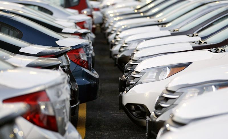 Economy, year-end sales help auto industry in 2012