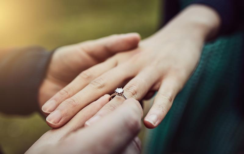 Reddit woman criticised for rejecting heirloom engagement ring