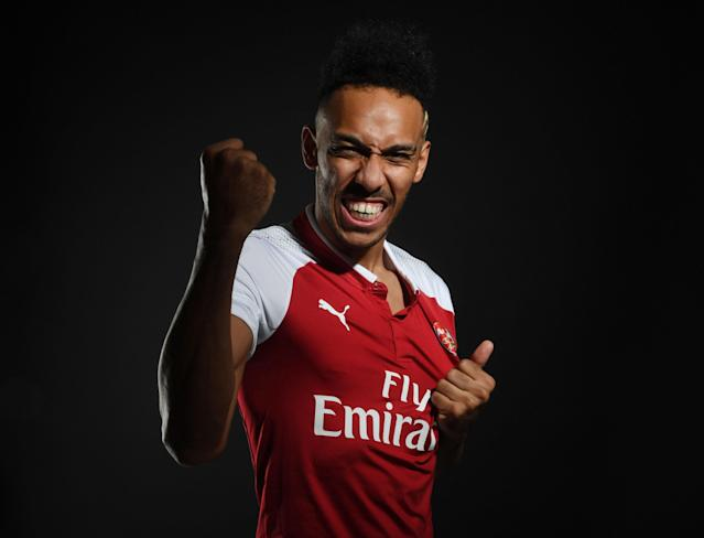 "<a class=""link rapid-noclick-resp"" href=""/soccer/teams/arsenal/"" data-ylk=""slk:Arsenal"">Arsenal</a> unveil new signing <a class=""link rapid-noclick-resp"" href=""/soccer/players/pierre-emerick-aubameyang/"" data-ylk=""slk:Pierre-Emerick Aubameyang"">Pierre-Emerick Aubameyang</a> on deadline day. (Getty)"