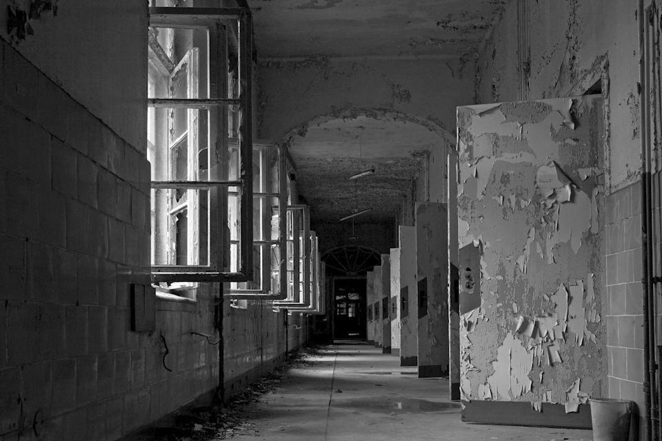 <p>This corridor of open doors makes you wonder what could pop out at any moment.</p>