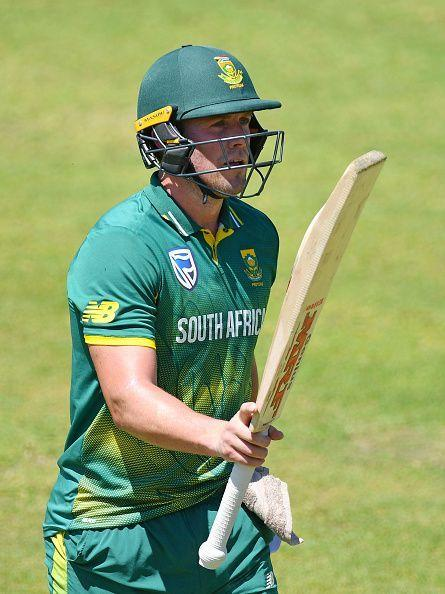 AB de Villiers was dismissed at the score of 76