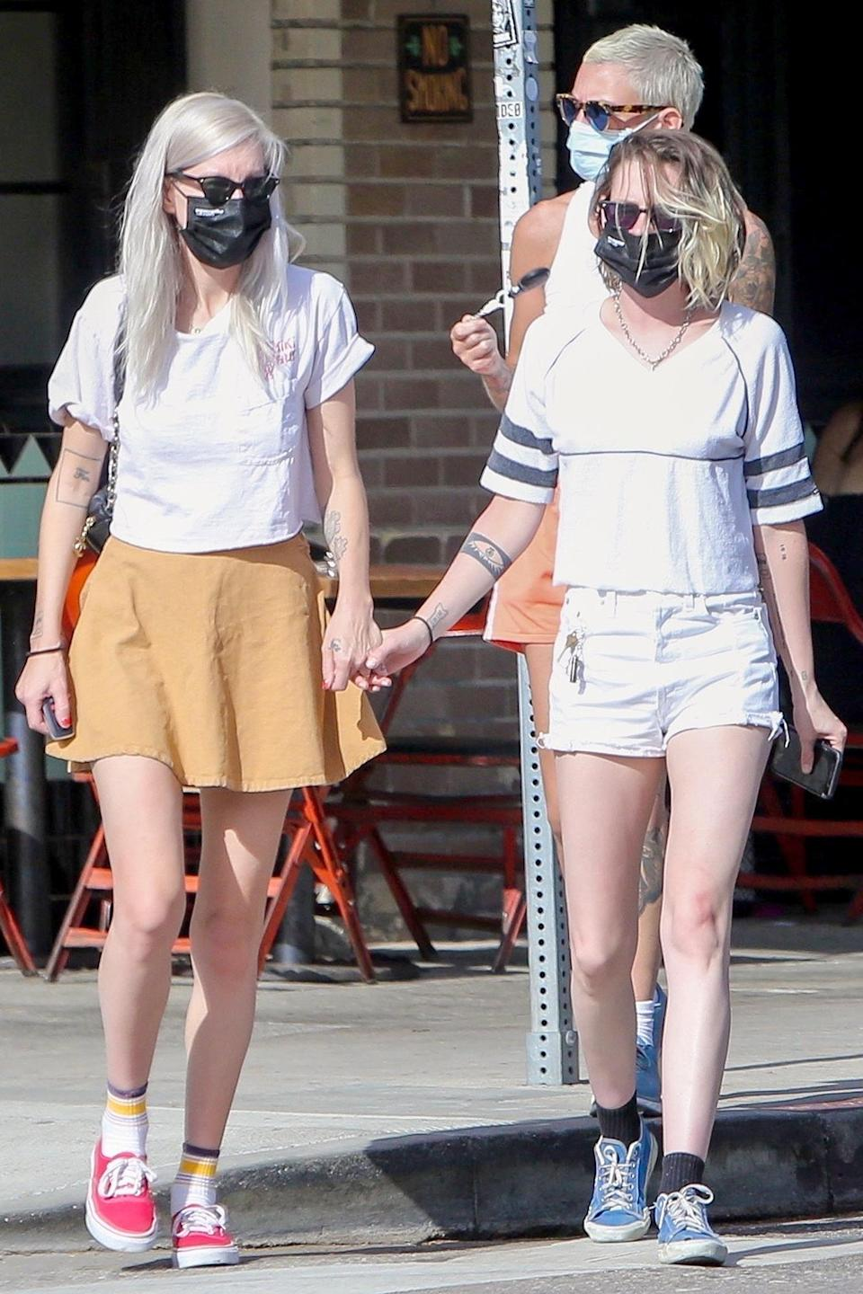 <p>Kristen Stewart and Dylan Meyer were spotted holding hands after having lunch with friends in Los Feliz, California.</p>
