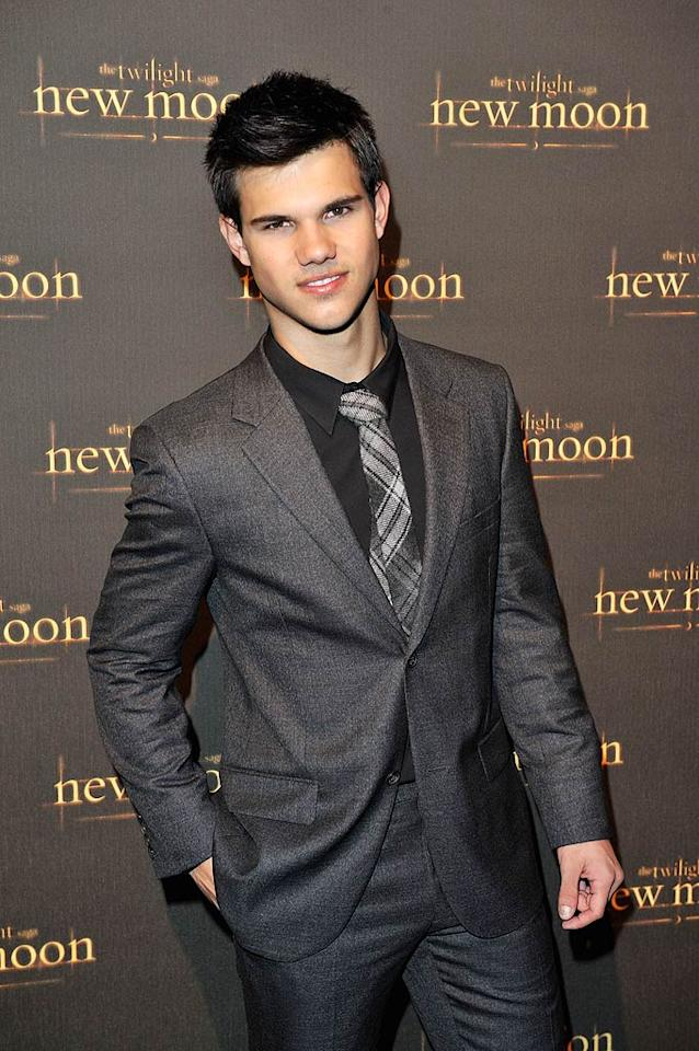 "This week Taylor Lautner opened up about the exercise regimen that got him ripped for ""New Moon,"" and -- hold your screams, girls -- he told Access Hollywood that he'll gladly continue taking his shirt off in films. Jon Furniss/<a href=""http://www.wireimage.com"" target=""new"">WireImage.com</a> - November 10, 2009"