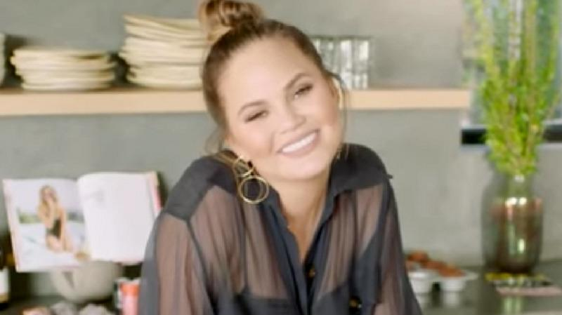 Chrissy Teigen Manages To Slip A Trump Diss Into Her '73 Questions'