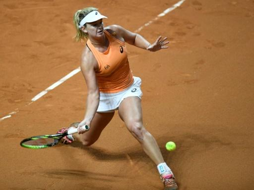 CoCo Vandeweghe found her footing on clay as she upset Simona Halep in Stuttgart