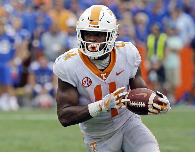 """<a class=""""link rapid-noclick-resp"""" href=""""/ncaaf/players/263338/"""" data-ylk=""""slk:John Kelly"""">John Kelly</a> is Tennessee's leading rusher and also has the most receptions on the team. (AP Photo/John Raoux, File)"""