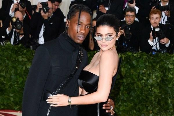 """Kylie Jenner Says She and Travis Scott """"Don't Go on Dates"""""""