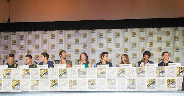 SAN DIEGO, CA - JULY 18: (L-R) Actors Charlie Carver, Max Carver, Daniel Sharman, Tyler Hoechlin, Crystal Reed, Dylan O'Brien, Holland Roden, Tyler Posey, and executive producer Jeff Davis attends the Teen Wolf panel during Comic-Con International 2013 on July 18, 2013 in San Diego, California. (Photo by Paul A. Hebert/WireImage)