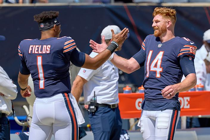 Justin Fields defends Andy Dalton in face of 'disrespectful' Bears fans booing QB, calling rookie's name