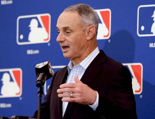 Rob Manfred says he didn't know Derek Jeter's ownership group would dismantle the Marlins. (AP Photo/John Raoux)
