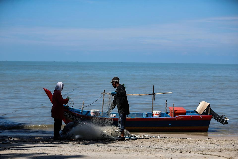 With the PSI project soon to materialise, the Sungai Batu fishermen unit chief said the fertile fishing ground at the southern coast of Penang island will be destroyed. — Picture by Sayuti Zainudin