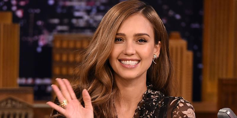 Jessica Alba's Twitter Account Hacked, Racist and Homophobic Tweets Posted