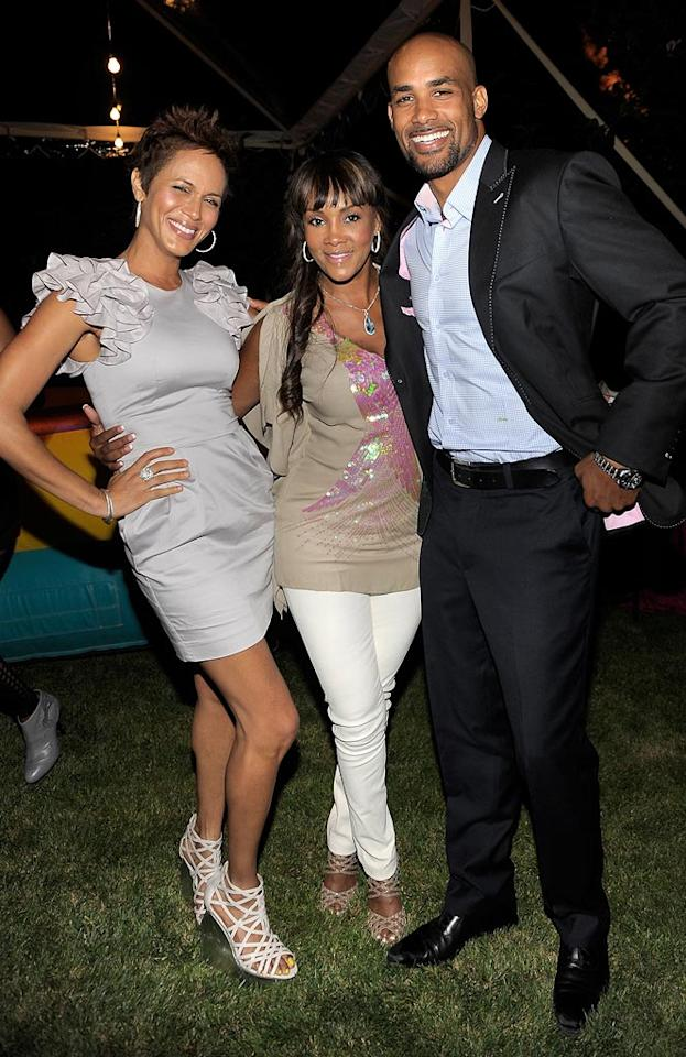 """The Deep End's"" Nicole Ari Parker and sexy ""Surrogates"" star Boris Kodjoe -- who just happen to be married -- were all smiles while catching up with actress Vivica A. Fox. Charley Gallay/<a href=""http://www.gettyimages.com/"" target=""new"">GettyImages.com</a> - July 12, 2010"