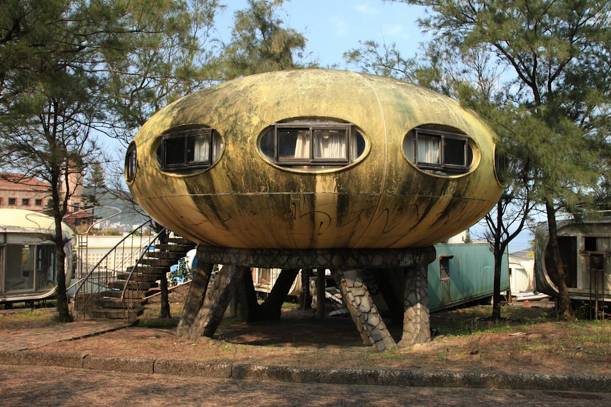 An abandoned Futuro house in Taiwan (Getty Images)