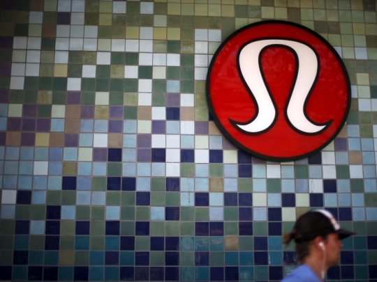 A Lululemon store logo is pictured on a shop in Santa Monica. (Photo: Thomson Reuters)