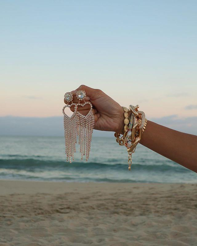 """<p>This jewelry label has some of the cutest accessories for summer (eyeing these seashell ones, wow), and most impressive is the fact that everything is under $50.</p><p><strong>Website:</strong> <a href=""""https://www.humansbeforehandles.com/"""" rel=""""nofollow noopener"""" target=""""_blank"""" data-ylk=""""slk:humansbeforehandles.com"""" class=""""link rapid-noclick-resp"""">humansbeforehandles.com</a></p><p><a href=""""https://www.instagram.com/p/CDUJML-p87s/"""" rel=""""nofollow noopener"""" target=""""_blank"""" data-ylk=""""slk:See the original post on Instagram"""" class=""""link rapid-noclick-resp"""">See the original post on Instagram</a></p>"""
