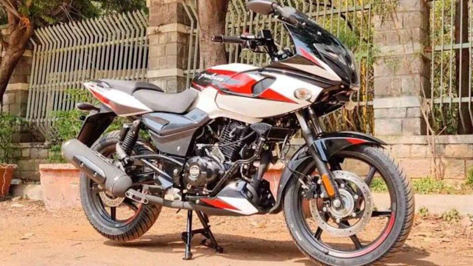 2021 Bajaj Pulsar 220F bike to get two new colors