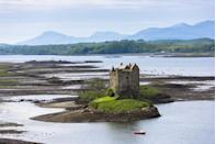 """<p>Stalker Castle on Loch Linnhe at Appin, Argyll in the Highlands.</p><p><a class=""""link rapid-noclick-resp"""" href=""""https://www.countrylivingholidays.com/tours/scottish-highlands-islands-luxury-yacht-autumn-cruise"""" rel=""""nofollow noopener"""" target=""""_blank"""" data-ylk=""""slk:EXPERIENCE LOCH LINNHE DURING AN AUTUMN CRUISE"""">EXPERIENCE LOCH LINNHE DURING AN AUTUMN CRUISE</a></p>"""