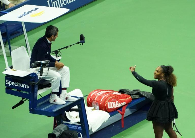 Serena Williams argues with chair umpire Carlos Ramos while playing Naomi Osaka during their 2018 US Open women's singles final