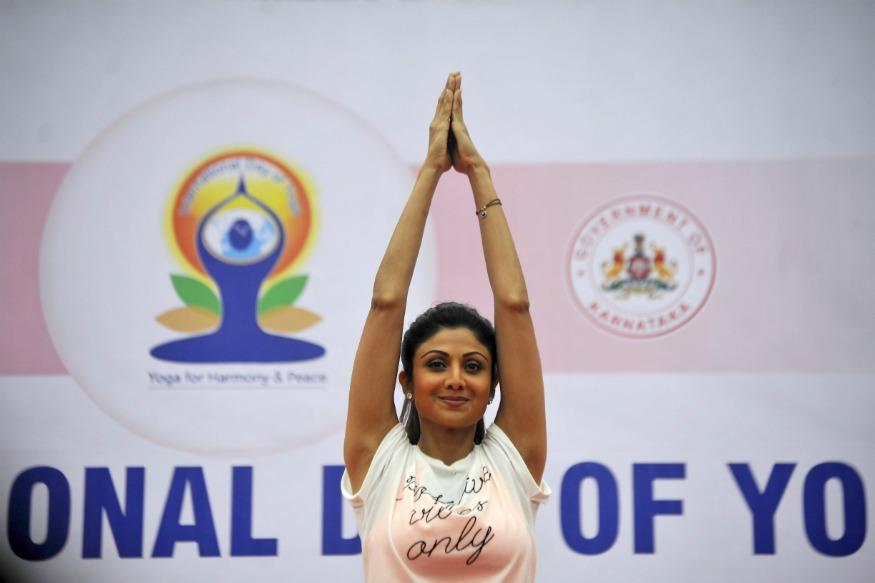 <p>It's International Yoga Day 2018 and one thing that you cannot miss while scrolling through your social media accounts is Bollywood divas showcasing their best yoga skills. </p>