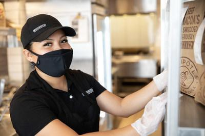 Chipotle is increasing restaurant wages in Canada resulting in a $15 CAD minimum hourly rate in Ontario restaurants and a $16 CAD minimum hourly rate in British Columbia restaurants. The brand will also offer $0 delivery for guests in Canada via the Chipotle app and Chipotle.ca through August 29.