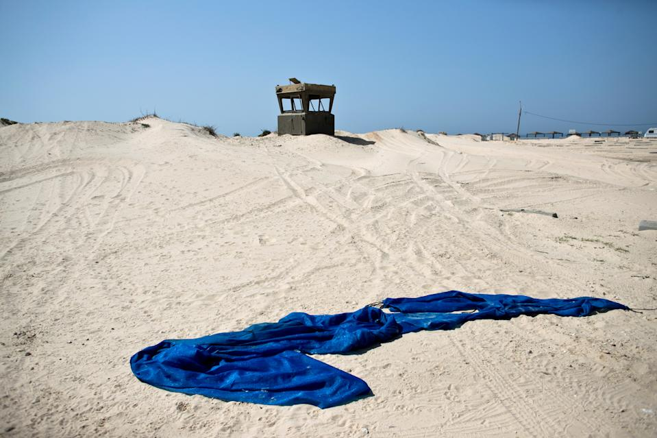 An Israeli military outpost is seen on Zikim beach in southern Israel, close to the border with the Gaza Strip, March 13, 2019. The unused Israeli military outpost remains a scar on the landscape. (Photo: Ronen Zvulun/Reuters)