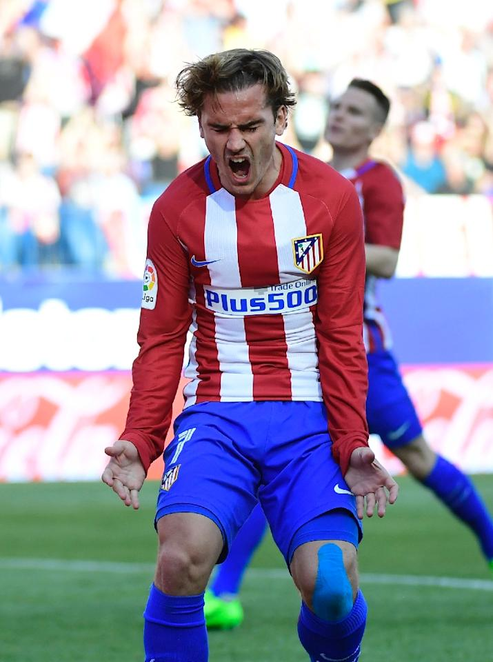 Atletico Madrid's forward Antoine Griezmann scored against Sevilla FC at the Vicente Calderon stadium in Madrid on March 19, 2017 (AFP Photo/PIERRE-PHILIPPE MARCOU)