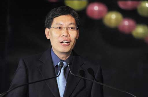 Minister for Information, Communication and the Arts Lui Tuck Yew delivering a speech. (AFP Photo)
