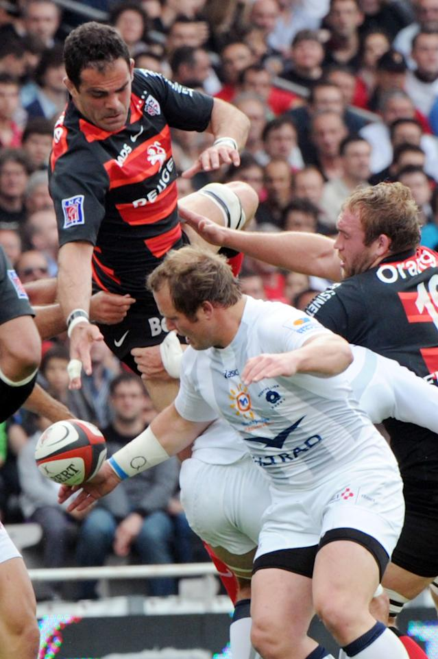 Toulouse's flanker Gregory Lamboley (L) vies with Montpellier's lock Jansen Van Vuuren (R) during the French Top 14 rugby union match Toulouse vs. Montpellier on May 12, 2012 at the Stadium in Toulouse , southern France. AFP PHOTO PASCAL PAVANIPASCAL PAVANI/AFP/GettyImages
