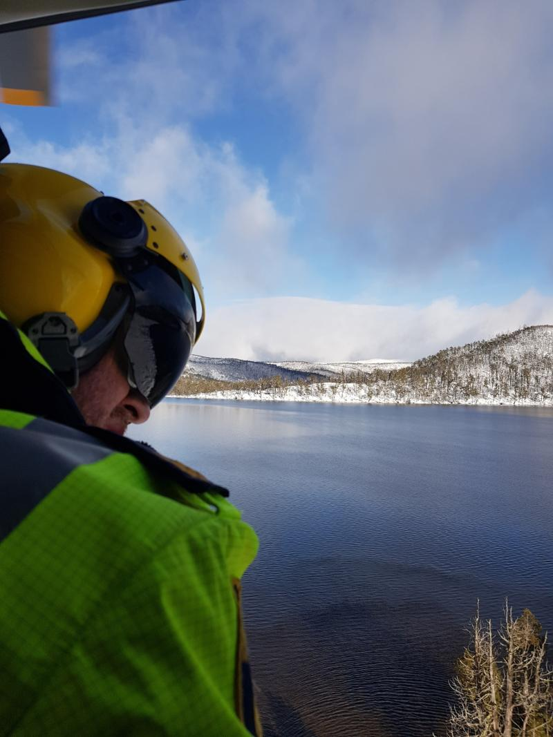 Search and rescue teams have been looking for a number of endangered hikers in the icy conditions. Source: Facebook/Tasmania Police