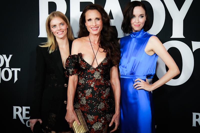 She posed alongside co-stars, Samara Weaving and Elyse Levesque. [Photo: Getty]