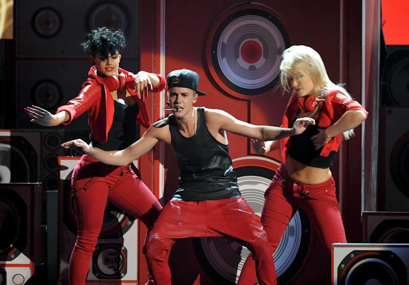 Justin Bieber performs at the 40th Anniversary American Music Awards on Sunday, Nov. 18, 2012, in Los Angeles. (Photo by John Shearer/Invision/AP)