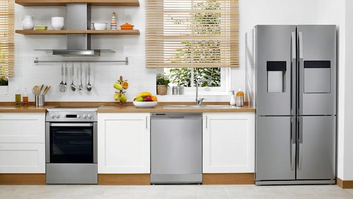 This Labor Day weekend, shop and save on fridges, stoves, microwaves and more.