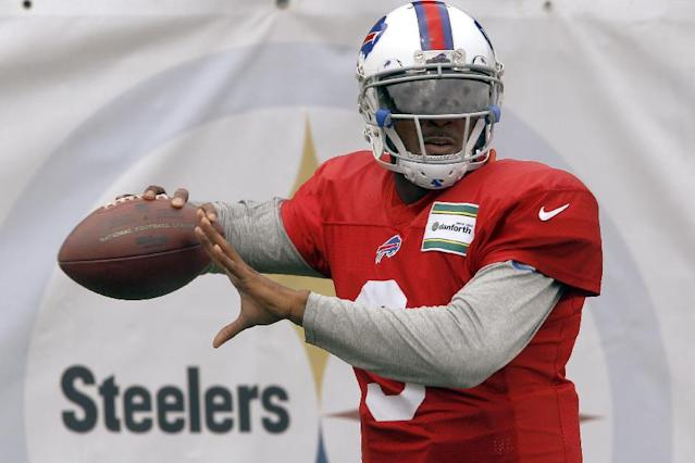 Buffalo Bills quarterback EJ Manuel (3) warms up during a combined NFL football training camp session with the Pittsburgh Steelers in Latrobe, Pa. on Wednesday, Aug. 13, 2014. (AP Photo/Keith Srakocic)
