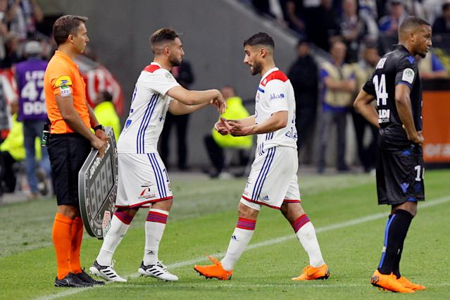 Soccer Football - Ligue 1 - Olympique Lyonnais vs OGC Nice - Groupama Stadium, Lyon, France - May 19, 2018 Lyon's Jordan Ferri comes on as a substitute to replace Nabil Fekir REUTERS/Emmanuel Foudrot